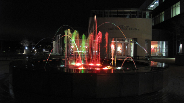 IMG 73201 Kitsap Conference Center Musical Fountain @ Night