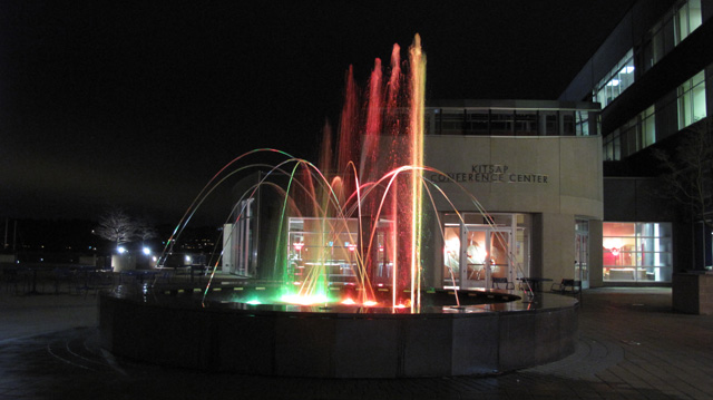 IMG 7339 Kitsap Conference Center Musical Fountain @ Night