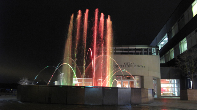 IMG 73601 Kitsap Conference Center Musical Fountain @ Night